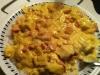 Kylling, karry, bacon og æbler på en tallerken