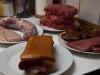 Røget bacon, kyllingfilet, svinemørbrad, hakket oksekød, kalvefilet og oksemedaljon