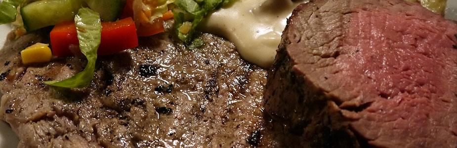 Oksemørbrad og entrecote med pastasalt, campingkartofler og bearnaisesauce